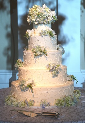 Wedding Cake Decor from Mockingbird Florist in Dallas, TX
